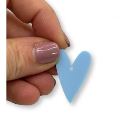 Plexy azul pastel - Colgante corazon pico 28x20 mm, int 1.5 mm