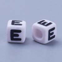 Abalorios cubos blancos abecedario 7x7 mm ( 100 uds) Letra E