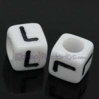 Abalorios cubos blancos letra negras LETRA L  6x6 mm(25 ud )