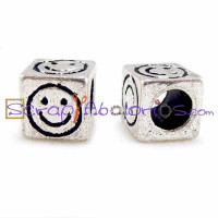 Abalorio dado smiley 8x8 mm, taladro 5 mm