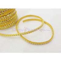Cordón de antelina 3 mm amarillo tachuela dorada (1 metro)