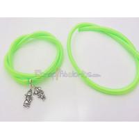 Cordón caucho hueco forrado seda 5 mm verde (48 cm)