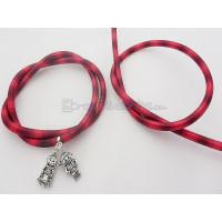 Cordón caucho hueco forrado seda 5 mm bicolor negro/rojo (48cm)