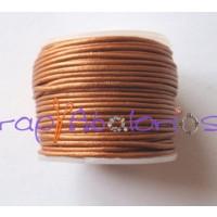 Cordon cuero color caramelo metalizado  1 mm ( 1 metro)
