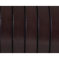 Cuero plano 10 mm, color marron oscuro, seccion de 20 cm