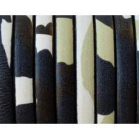 Tireta cuero plano 5 mm estamp negro /beige grosor 1.5 ( 20 cm)