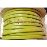 Cuero oval 10x6 mm ( cuero regaliz) color verde lima