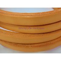 Cuero oval HUECO  10x6 mm ( cuero regaliz) color naranja , 20 cm