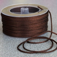 Cordon de saten 1.5 mm, color marron choc ( 1 metro)