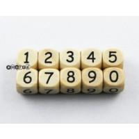 Cubo Premium madera carvada 10x10 mm - Numero 6