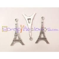 Colgante charm plateado torre Eiffel 35x18 mm