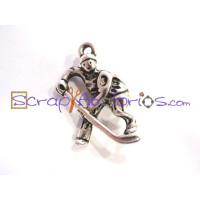 Colgante charm deporte jugador hockey 13x25 mm