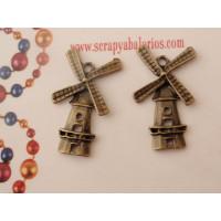 Colgante charm bronce molino 28x17 mm