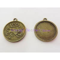 Colgante charm bronce horoscopo LEO.30X27 mm. Taladro 2.5 mm