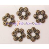 Entrepieza bronce florecilla 16mm, taladro 5 mm ( 5 uds)