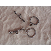 Cierre labrado pequeño plata tibetana