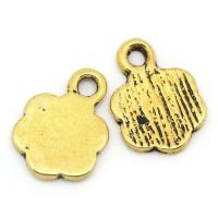 Colgante charm dorado florecilla 10x8 mm