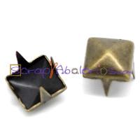 Tachuela pincho bronce cuadrada piramidal 7 mm ( 10 uds)