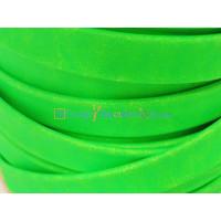 Cuero plano de 10 mm.Verde Flúor. (20 cm)