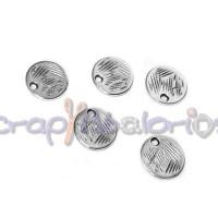 Colgante ZAMAK baño plata moneda rayada pequeña 9 mm