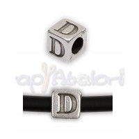 Entrepieza Zamak Baño plata Cubo Letra D 7x7 mm. Taladro 4 mm