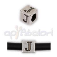 Entrepieza Zamak Baño plata Cubo Letra J 7x7 mm. Taladro 4 mm