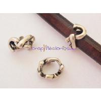 Pasador Zamak  anillo trenzado 15x10 mm. Para cuero regaliz