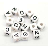 Abalorios cubos blancos abecedario 10x10 mm ( Pack Ahorro de 100 uds)