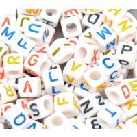 Abalorio abecedario cubo blanco  6x6 mm (100 uds)