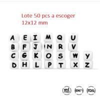 Lote 50 letras cubo silicona premium grandes 12x12 mm ( A escoger)