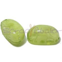 Resina oval  aguas blancas 22x12x11 mm- Color Pistacho