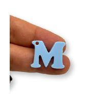 Letra M - Plexy azul pastel - Colgante letra inicial abecedario 18 mm, taladro 1.5 mm