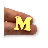 Letra M - Plexy amarillo pastel - Colgante letra inicial abecedario 18 mm, taladro 1.5 mm