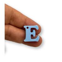 Letra E - Plexy azul pastel - Colgante letra inicial abecedario 18 mm, taladro 1.5 mm