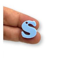 Letra S - Plexy azul pastel - Colgante letra inicial abecedario 18 mm, taladro 1.5 mm