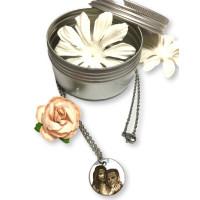 Gargantilla colgante fotograbado medalla 20 mm San Valentin en cajita de metal