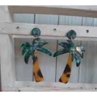 Pendientes palmeras base verde de plexy y acero  ( 1 par)