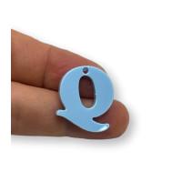Letra Q - Plexy azul pastel - Colgante letra inicial abecedario 18 mm, taladro 1.5 mm