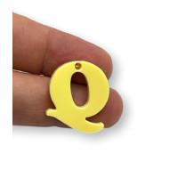 Letra Q - Plexy amarillo pastel - Colgante letra inicial abecedario 18 mm, taladro 1.5 mm