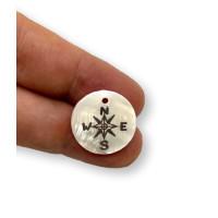 Colgante moneda de nacar 18 mm -  Rosa de los vientos