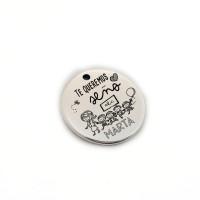 Te queremos seño ( nombre) - Colgante zamak baño plata 19 mm (ZC432X)