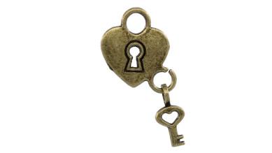 Colgante charm bronce corazon candado y llave 26x14.5 mm