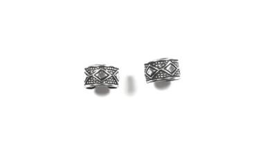 Pendiente de Cartilago earcuff en plata de ley - Aro rombo y puntitos - 1 ud