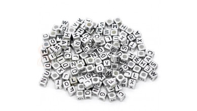Abalorio abecedario cubo plateado 6x6 mm solo LETRA B ( 25 uds)