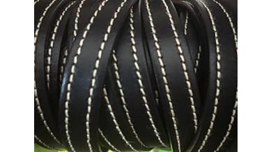 Cuero plano 10 mm, color negro borde cosido, seccion de 20 cm
