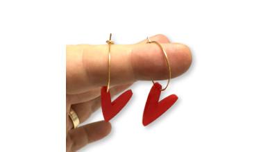 Pendientes aros acero dorado 20 mm y corazones rojos ( 1 par)